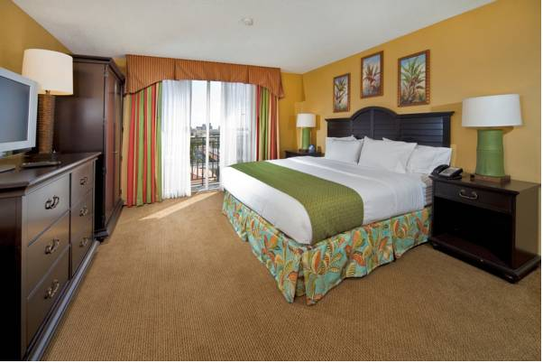 Photo of guestrooms at Embassy Suites Hotel Ft. Lauderdale-17th Street