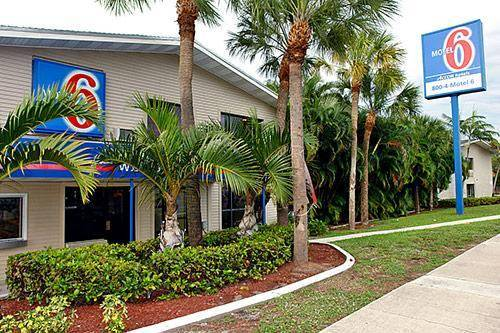 Photo of the Motel 6 Fort Lauderdale building
